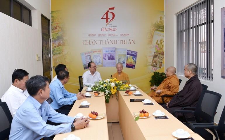 Trưởng lão HT.Thích Trí Quảng tiếp Phó Bí thư Thành ủy Nguyễn Hồ Hải