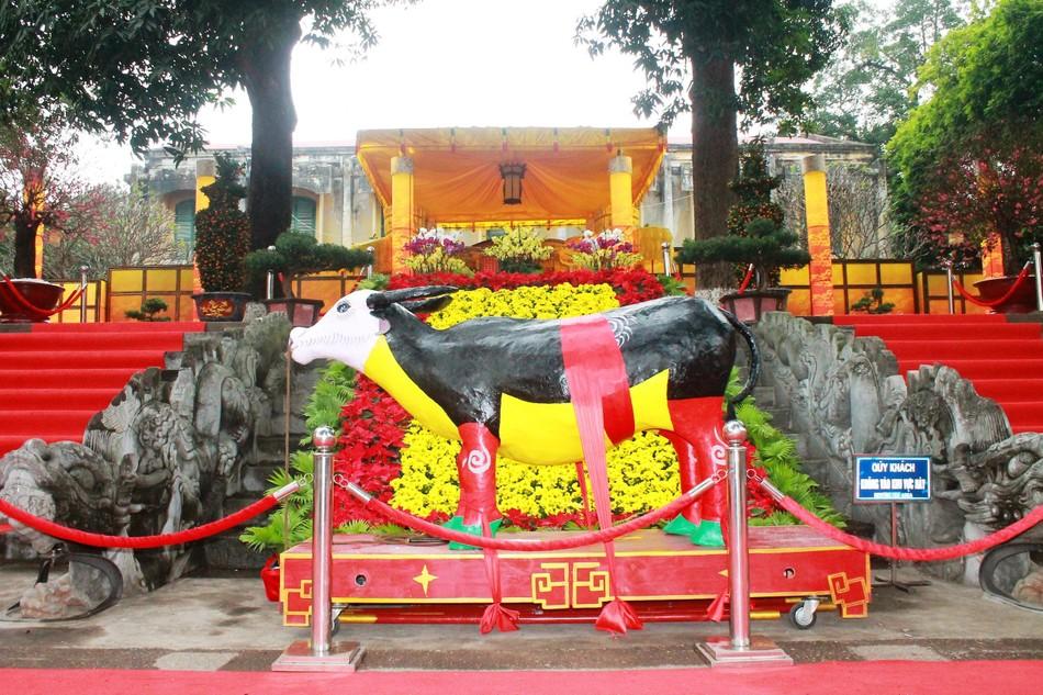 """Tái hiện nghi lễ """"Tiến xuân ngưu"""" ở di tích Hoàng thành Thăng Long ảnh 2"""