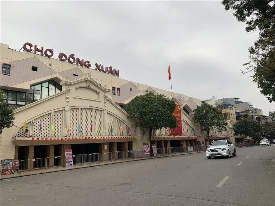 Hà Nội: Các chùa đồng loạt đóng cửa dừng hoạt động tín ngưỡng để chống dịch Covid ảnh 7