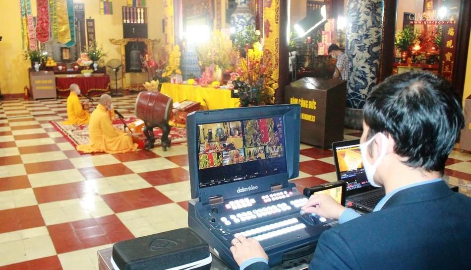 Lễ cầu an tại chùa Quán Sứ - Hà Nội được online trên mạng xã hội Butta.vn ảnh 6