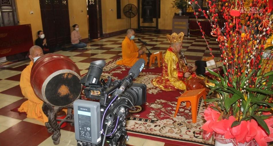 Lễ cầu an tại chùa Quán Sứ - Hà Nội được online trên mạng xã hội Butta.vn ảnh 5