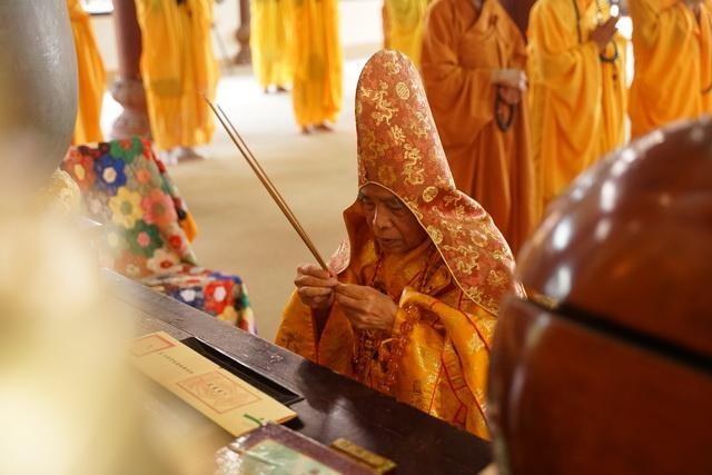 Ban Trị sự GHPGVN tỉnh Thừa Thiên Huế tổ chức lễ cầu an tại chùa Từ Đàm ảnh 1