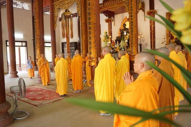 Ban Trị sự GHPGVN tỉnh Thừa Thiên Huế tổ chức lễ cầu an tại chùa Từ Đàm ảnh 2