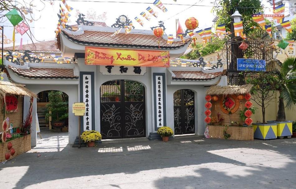 Cảnh chùa Sài Gòn - TP.HCM lung linh trong nắng xuân ảnh 1