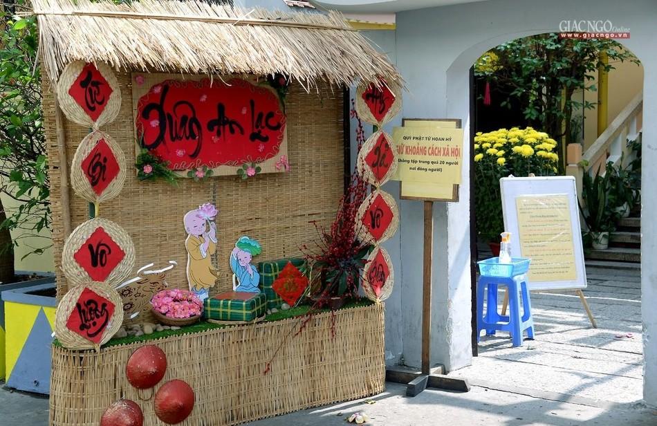Cảnh chùa Sài Gòn - TP.HCM lung linh trong nắng xuân ảnh 2