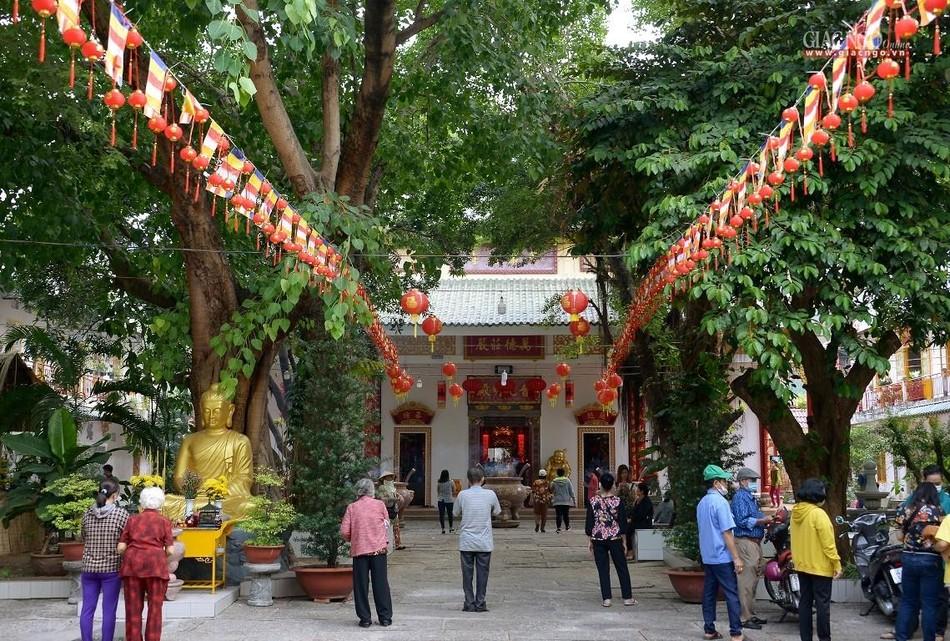 Cảnh chùa Sài Gòn - TP.HCM lung linh trong nắng xuân ảnh 16