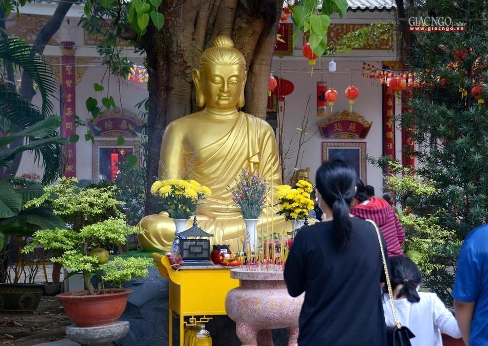 Cảnh chùa Sài Gòn - TP.HCM lung linh trong nắng xuân ảnh 27