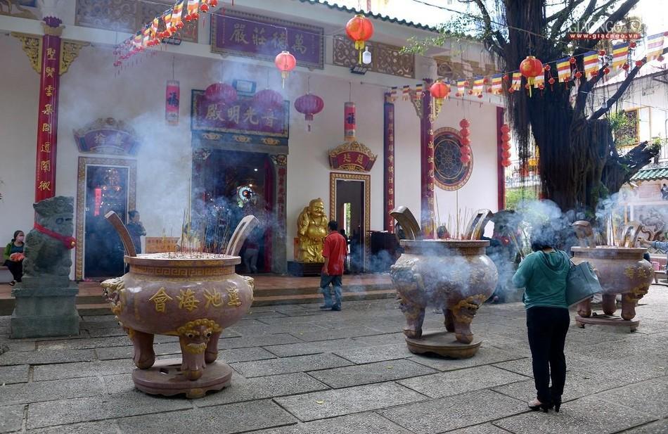 Cảnh chùa Sài Gòn - TP.HCM lung linh trong nắng xuân ảnh 26