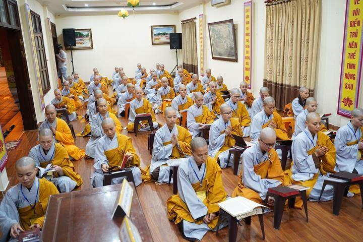 Chính thức truyền giới tại Đại giới đàn Hà Nội Phật lịch 2565 ảnh 113