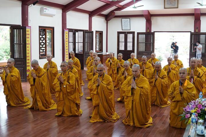 Chính thức truyền giới tại Đại giới đàn Hà Nội Phật lịch 2565 ảnh 44