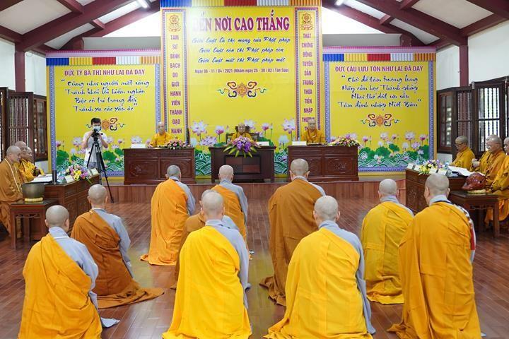 Chính thức truyền giới tại Đại giới đàn Hà Nội Phật lịch 2565 ảnh 70