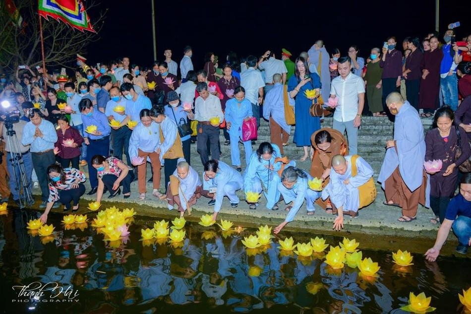 Ninh Bình: Lễ cầu quốc thái dân an và hoa đăng ở cố đô Hoa Lư ảnh 21