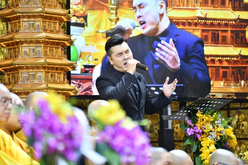 Cầu siêu ca sĩ Vân Quang Long tại chùa Giác Ngộ ảnh 3