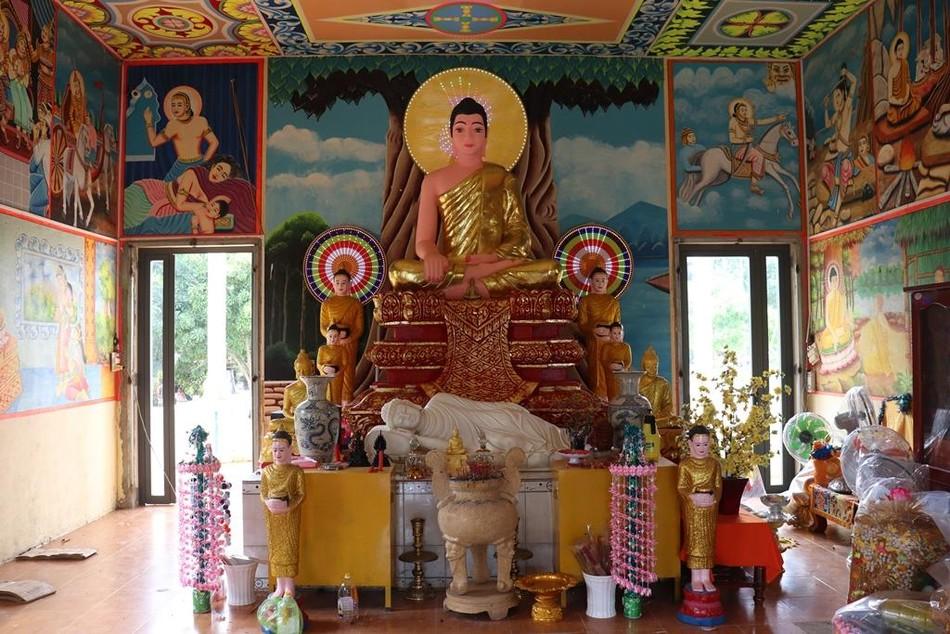 Phum Ma: ngôi chùa xưa bên đường vành đai biên giới ảnh 2
