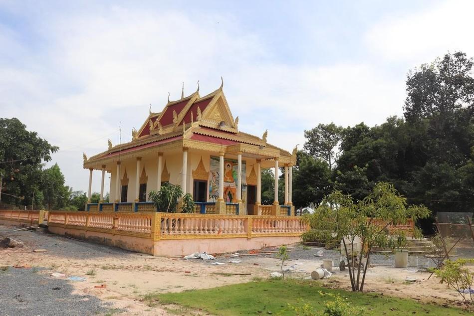 Phum Ma: ngôi chùa xưa bên đường vành đai biên giới ảnh 1
