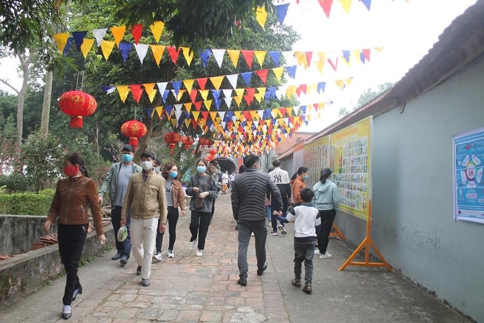 Lễ hội chùa Trăm Gian ảnh 4