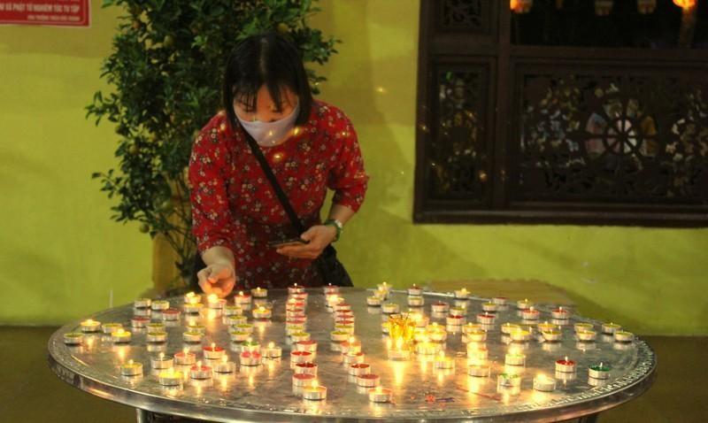 Đồng Nai: Cúng đèn rằm tháng Giêng tại thiền viện Phước Sơn ảnh 3